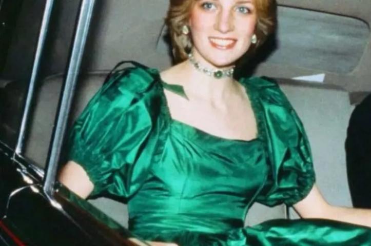 戴安娜王妃的最佳扮演者,一颦一笑美得像画中人
